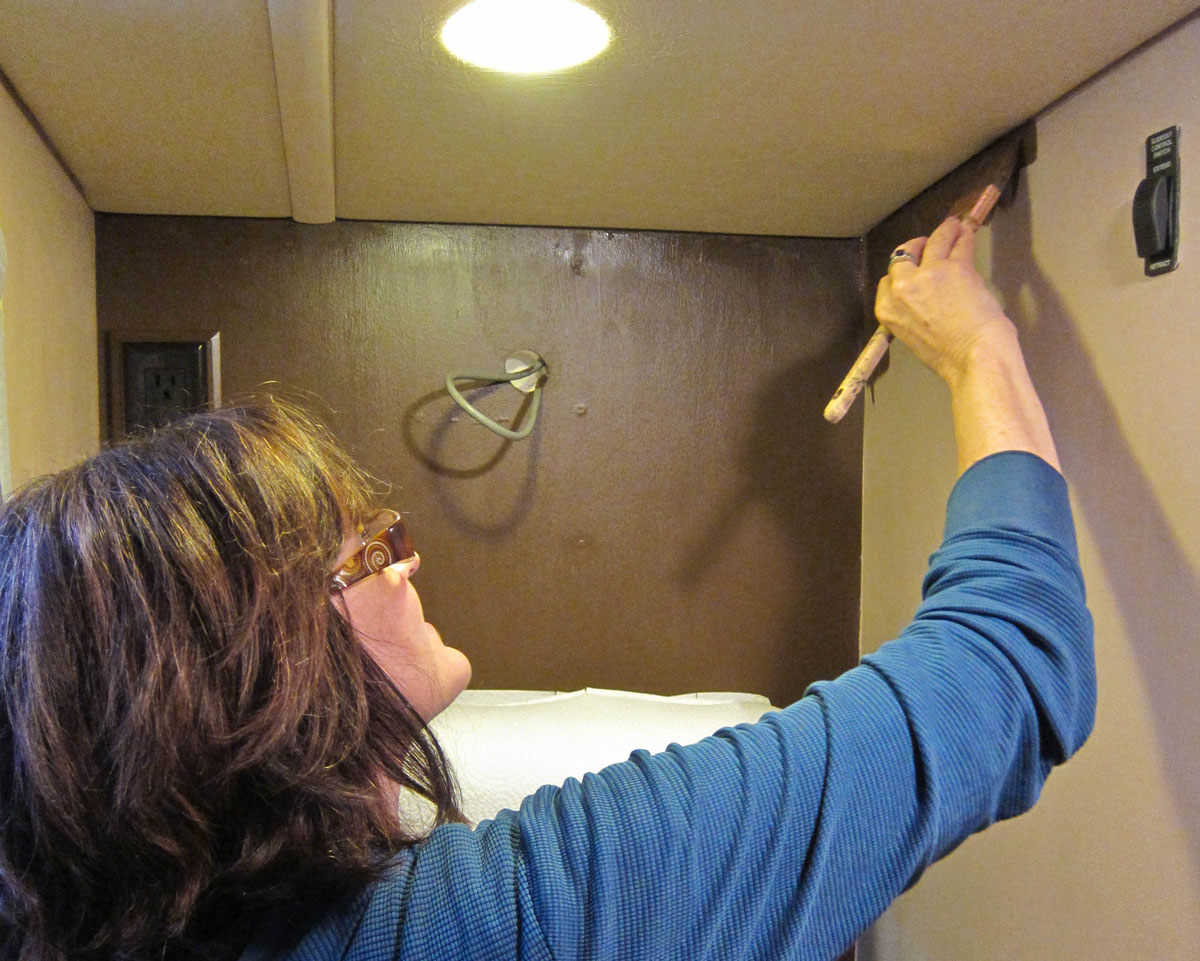 Best Way To Refinish Kitchen Cabinets How To Paint The Vinyl Walls In Your Rv Trek With Us